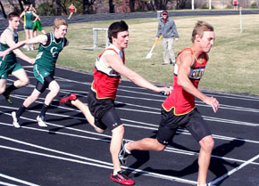 Card 4 x 100 relay races to victory