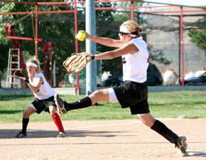 Missy Zoucha fires pitch in opening win
