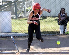 Atwood shows bunt and hustle