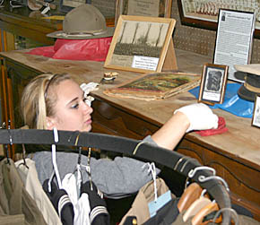 FBLA students help out at museum.
