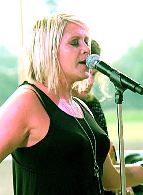 Gwen Sebastian provided an outstanding concert for about 250 on a hot and steamy Sunday night.