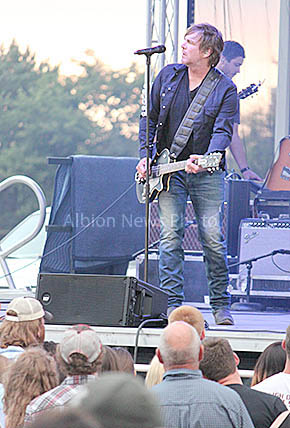 Country musician Jack Ingram performs on the final night of the Boone County Fair.