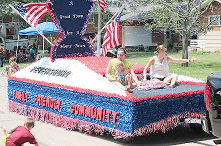 Petersburg float was runner up for Best of Theme.