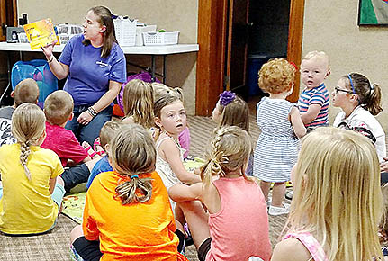 Alison Kern teaches her final session of Kindermusik in Albion June 30.