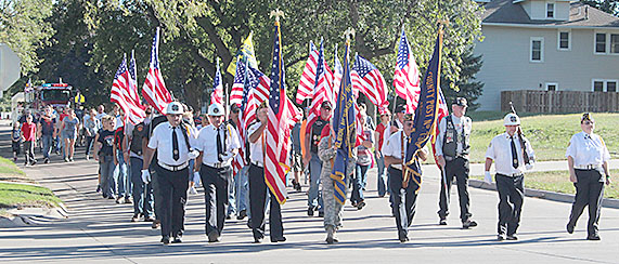 Patriot Day Parade makes its way back to the Boone County Courthouse on Sunday.