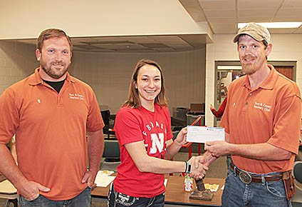 Town and Country Vet Clinic donation to Boone Central FFA.