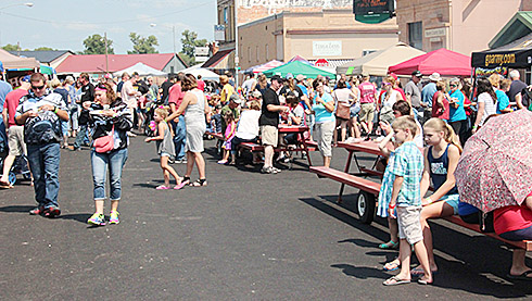 A large crowd was on hand for the barbecue sampling Saturday afternoon.